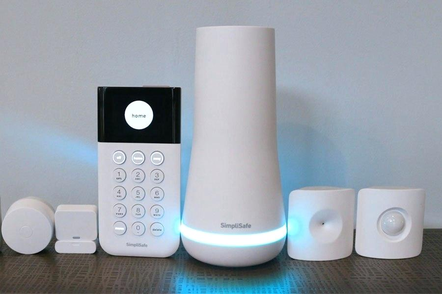 Gadgets for a smart home: the best with reasons to update. Review